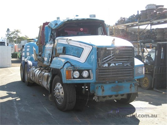 1994 Mack Elite - Wrecking for Sale