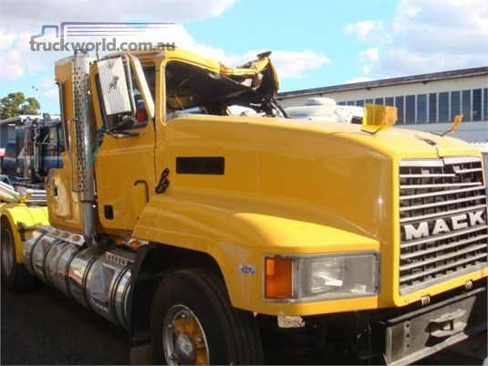 1994 Mack CHR - Wrecking for Sale