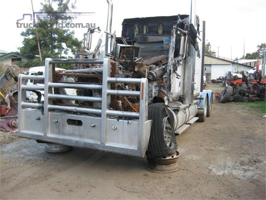 2007 International 9900i Eagle - Wrecking for Sale