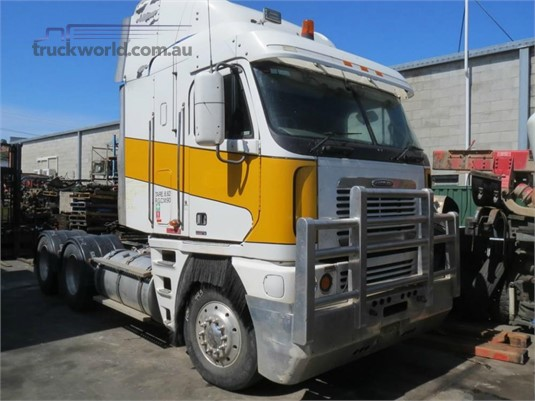 2005 Freightliner Argosy - Wrecking for Sale