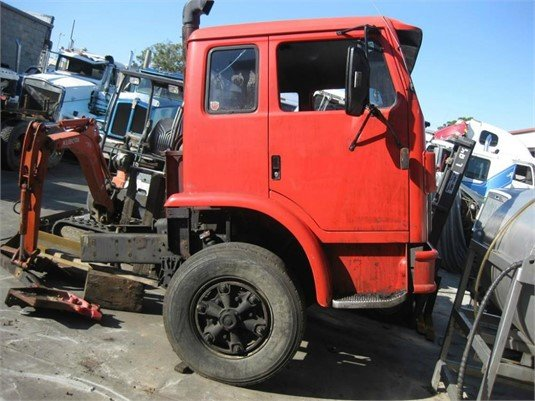 1995 International Acco 2350E - Wrecking for Sale