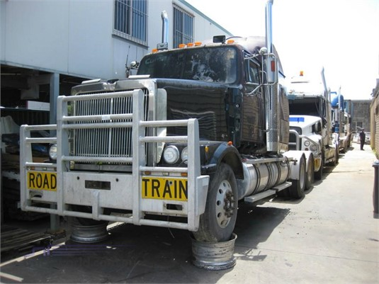 1999 Western Star 4900FX - Wrecking for Sale