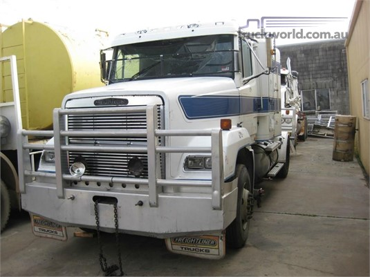 1995 Freightliner FL112 - Wrecking for Sale