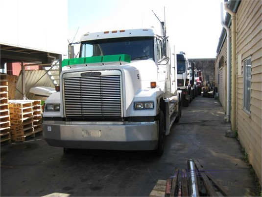 1992 Freightliner FL112 - Wrecking for Sale