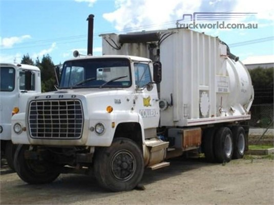 Ford L Series - Wrecking for Sale