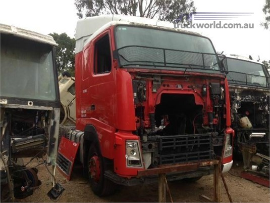 2005 Volvo FH12 - Wrecking for Sale