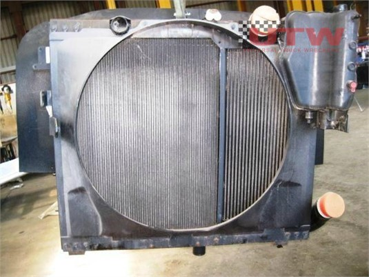 International Eagle 9900 Radiator Universal Truck Wreckers - Parts & Accessories for Sale