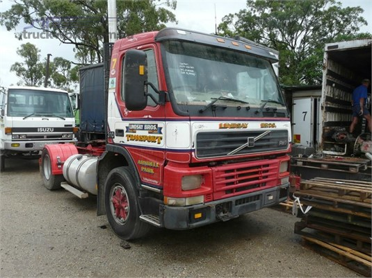 2000 Volvo FM7 - Wrecking for Sale