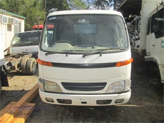 2002 Hino Dutro 125ST - Wrecking for Sale