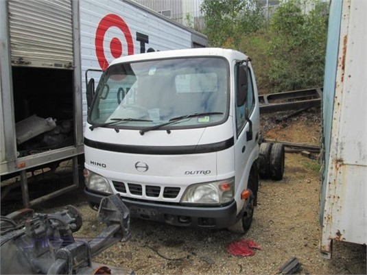 2004 Hino Dutro 125ST - Wrecking for Sale
