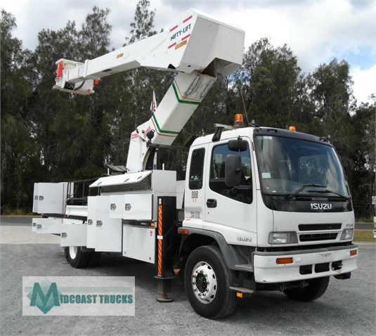 2004 Truck Body Travel Tower Midcoast Trucks - Truck Bodies for Sale