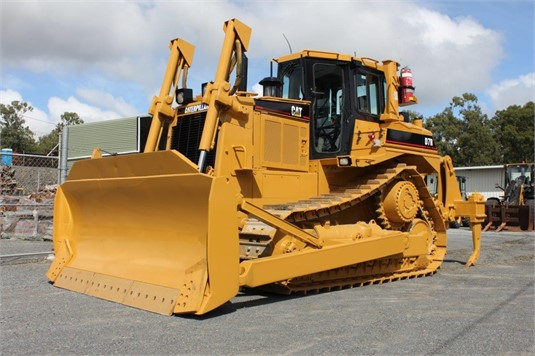 2004 Caterpillar D7R - Heavy Machinery for Sale