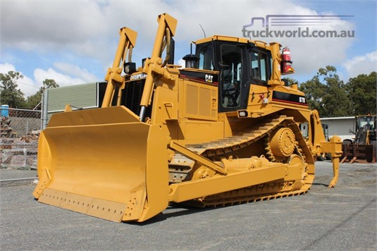 2004 Caterpillar D7R Heavy Machinery for Sale