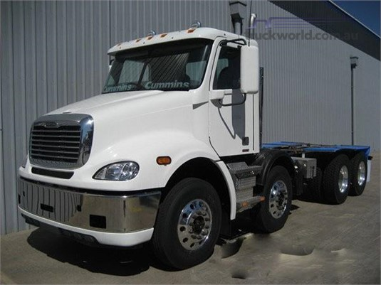 2018 Freightliner Columbia CL112 - Trucks for Sale