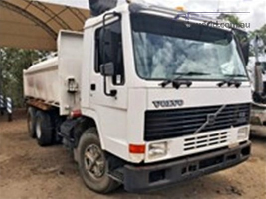 1995 Volvo FL10 - Wrecking for Sale