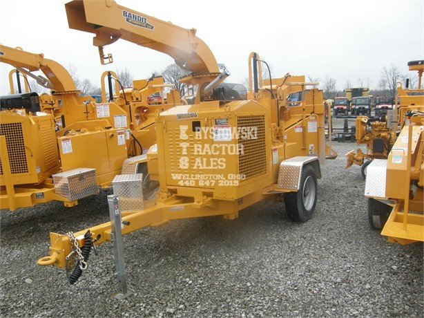 BANDIT 250XP Pull-Behind Wood Chippers Logging Equipment For