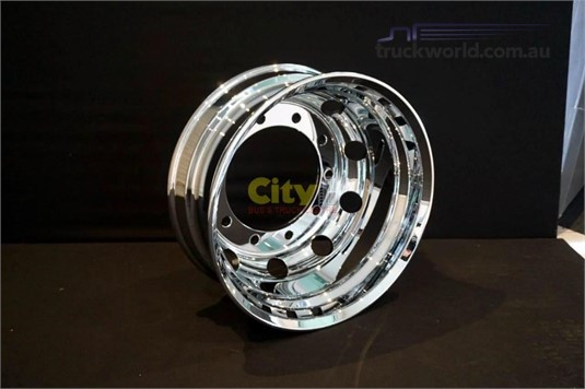 0 Rims 10/335 8.25x22.5 Mirror Finish Chrome Alloy Rim - Parts & Accessories for Sale