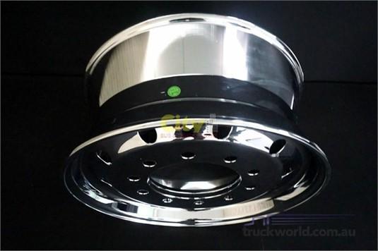 Alloy Rims 10/285 Mirror Chrome Alloy Rim - Truckworld.com.au - Parts & Accessories for Sale