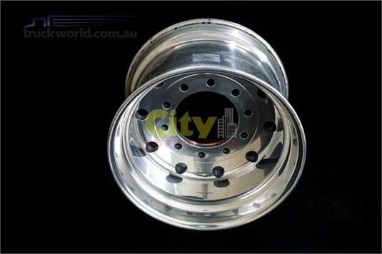 Alloy Rims 10/285 14.00x22.5 Offset Polished Alloy Rim - Truckworld.com.au - Parts & Accessories for Sale