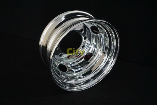 0 Steel Rims 10/225 6.75x17.5 Chrome - Parts & Accessories for Sale