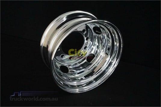 Steel Rims 10/225 6.75x17.5 Chrome - Parts & Accessories for Sale