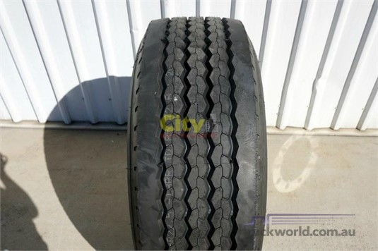 0 Alloy Rims 10/335 11.75x22.5 Super Single Rim and Tyre - Truckworld.com.au - Parts & Accessories for Sale