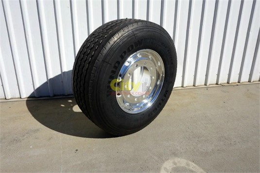 0 Alloy Rims 10/335 11.75x22.5 Super Single Rim and Tyre - Parts & Accessories for Sale