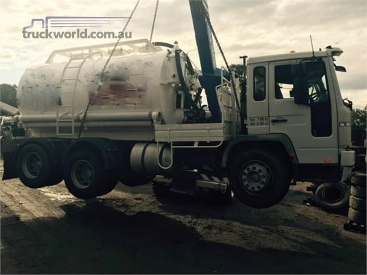 2001 Volvo FL6 - Wrecking for Sale