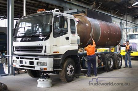 Glue's vacuum tankers a hit for sticky jobs Truckworld