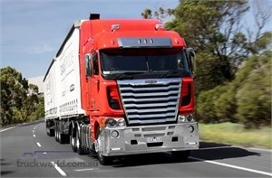 Freightliner introduces four year or 800000km warranty
