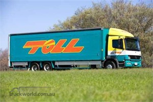 Toll Group Takes Delivery of its 100th Euro 5-Compliant Mercedes-Benz Truck