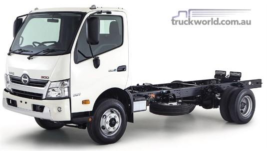 Hino 300 Series 920 Medium