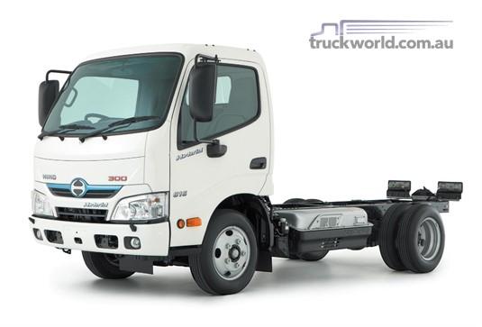 Hino 300 Series 616 IFS Auto SWB