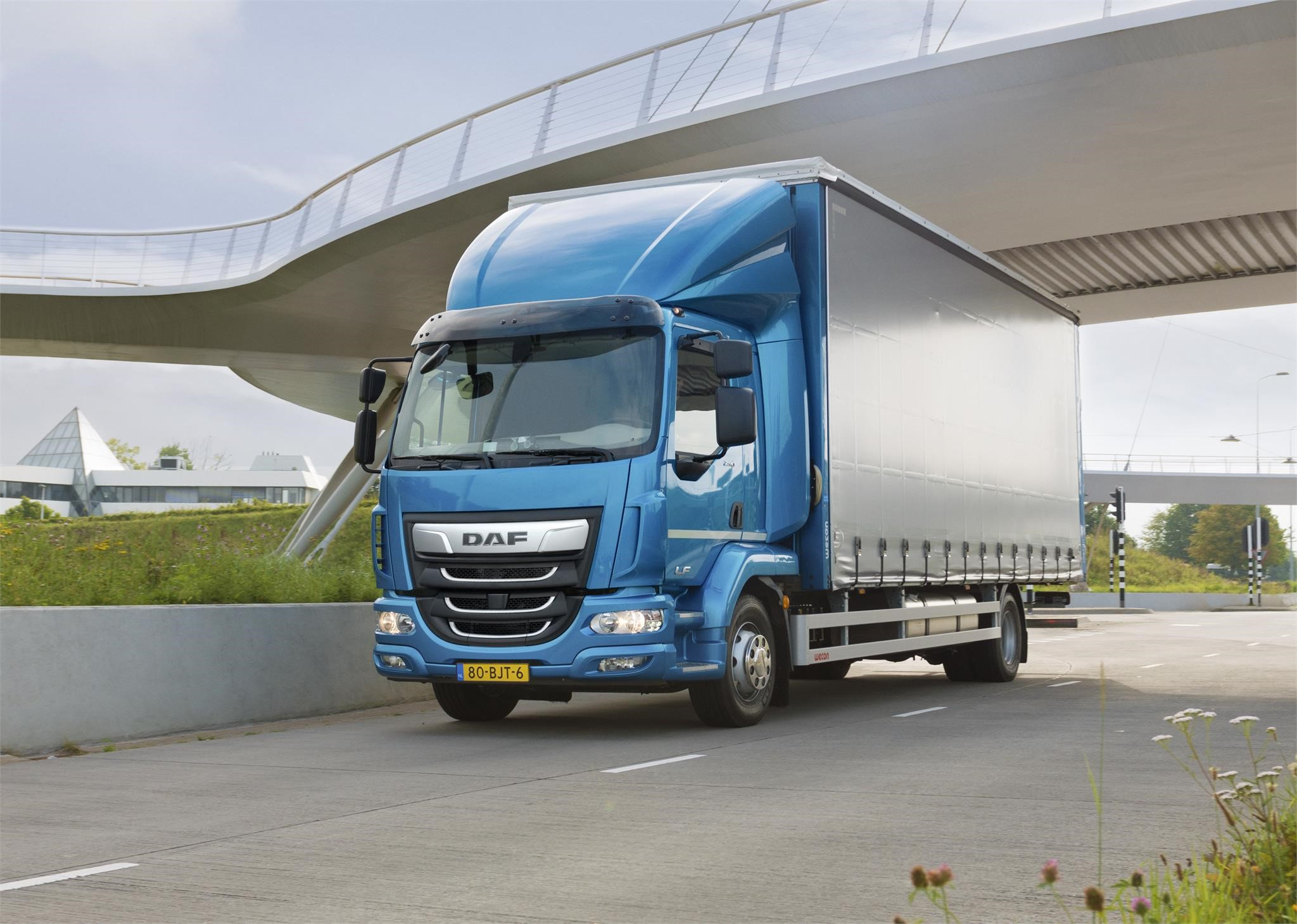 The new DAF LF truck