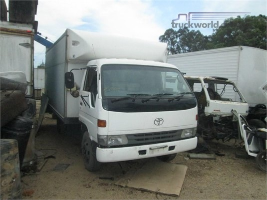 1996 Toyota Dyna 300 - Wrecking for Sale