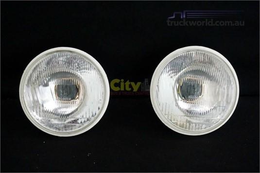 0 Mitsubishi Rosa Bus Headlight Parts & Accessories for Sale