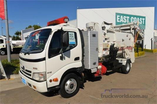 2008 Hino Dutro Garbage Compactors, 4x2 Truckworld