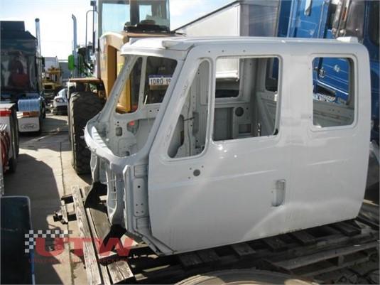 International 7600 Sleeper Cabin Universal Truck Wreckers - Parts & Accessories for Sale