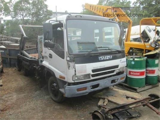 2001 Isuzu FRR Wrecking for Sale
