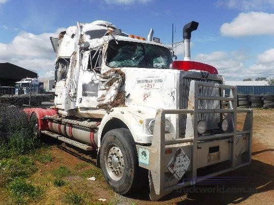 2004 Western Star 4864FXC - Wrecking for Sale