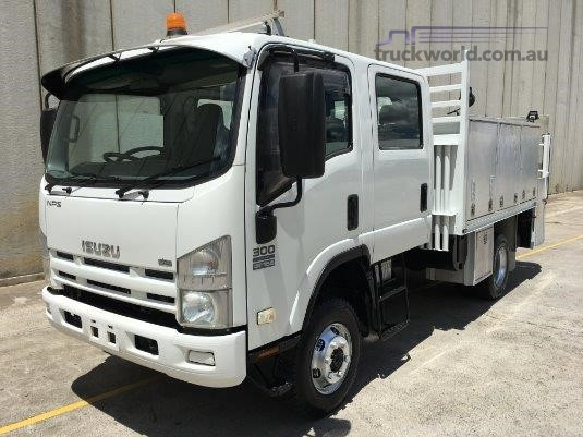 2009 Isuzu NPS 300 4x4 Crew Trucks for Sale