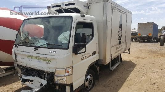 2013 Mitsubishi Canter Wrecking for Sale
