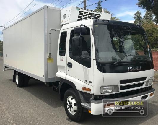 2005 Isuzu FRR Racecourse Motor Company - Trucks for Sale