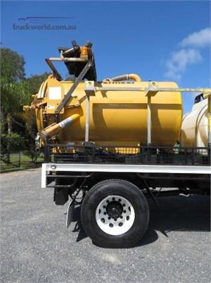 2010 Isuzu FVR 1000 Long Vacuum Tanker, Waste Disposal, 4x2 Truckworld
