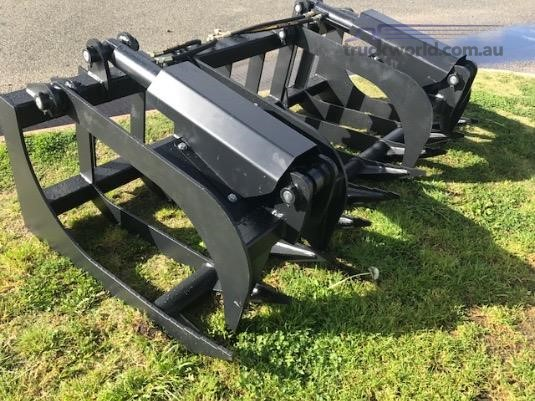 0 Barrett Grapple log bucket - Parts & Accessories for Sale