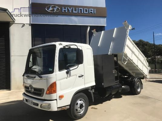 2004 Hino 500 Series 1024 FD Trucks for Sale