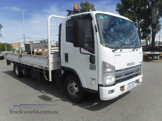 2009 Isuzu NPR 400 Long Raytone Trucks - Trucks for Sale