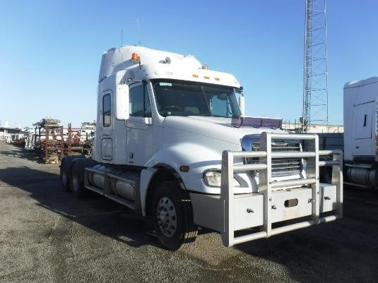 2005 Freightliner COLUMBIA 120 - Wrecking for Sale