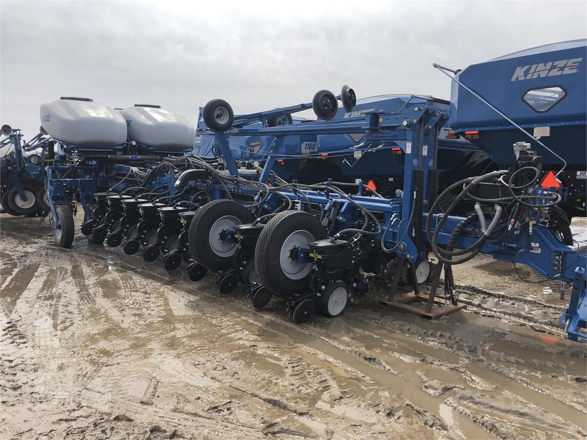 2017 Kinze 4900 For Sale In Grand Meadow Minnesota Tractorhouse Com