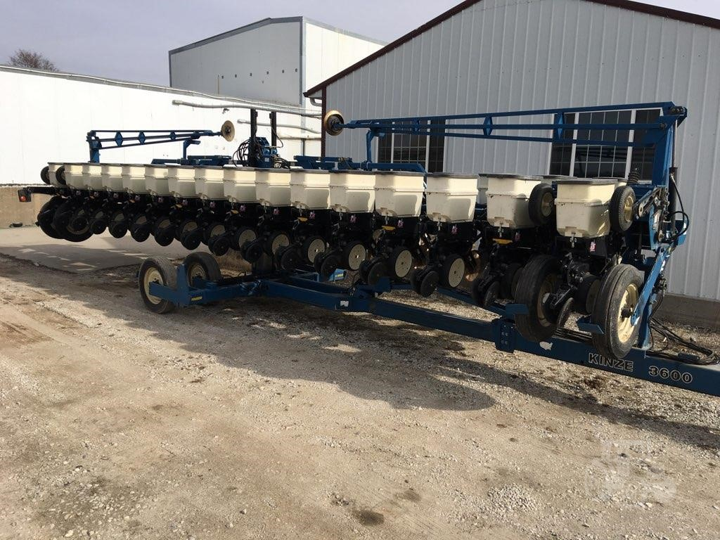 2006 Kinze 3600 For Sale In Denison Iowa Www Vetterequip Com